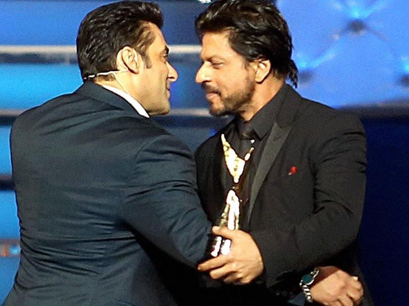 We hug again! Salman and SRK are finally friends. (AFP)