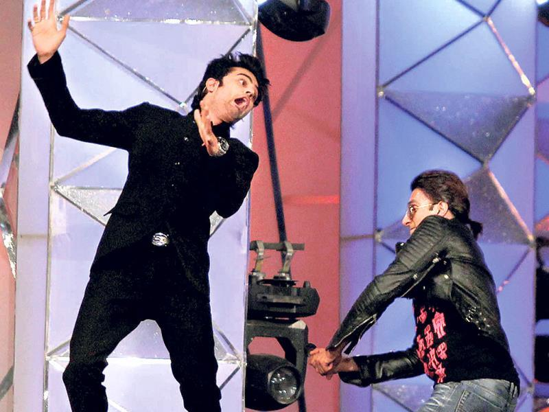 Laughter challenge: Host Manish Paul and Ranveer Singh goof around on stage.