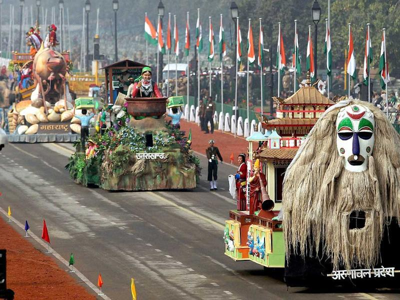 The tableau of Arunachal Pradesh, Uttarakhand and Maharashtra move along Rajpath during the full dress rehearsal for the Republic Day parade in New Delhi. (PTI photo)
