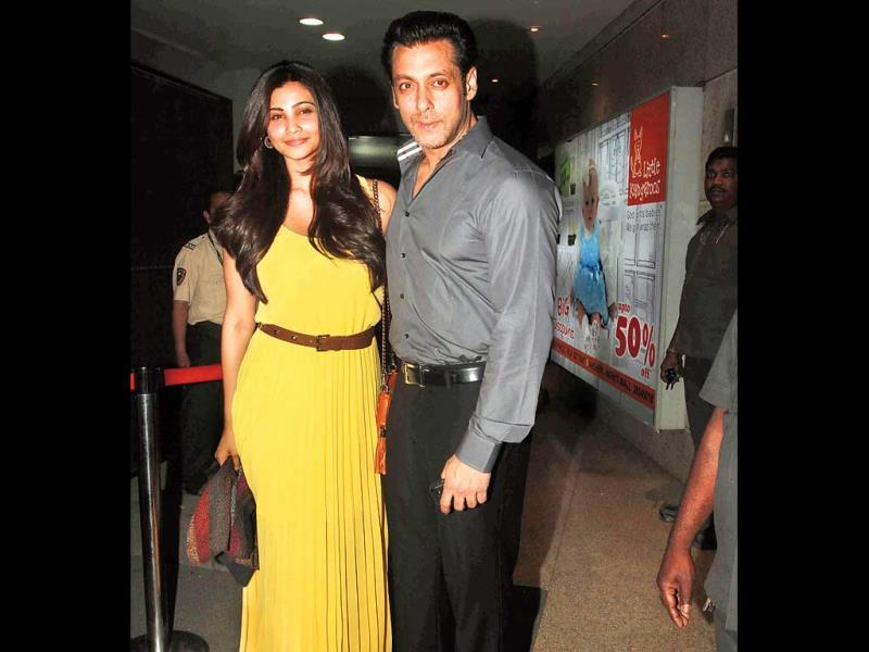 Salman Khan arrives with his Jai Ho co-star Daisy Shah at the film's screening. Check out more pics.