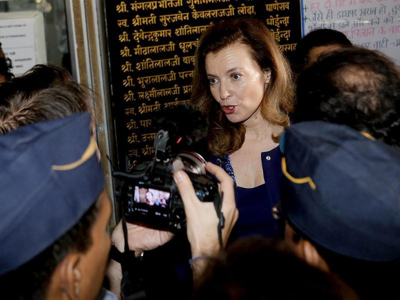 Valerie Trierweiler speaks to the media at a hospital in Mumbai. (Reuters)