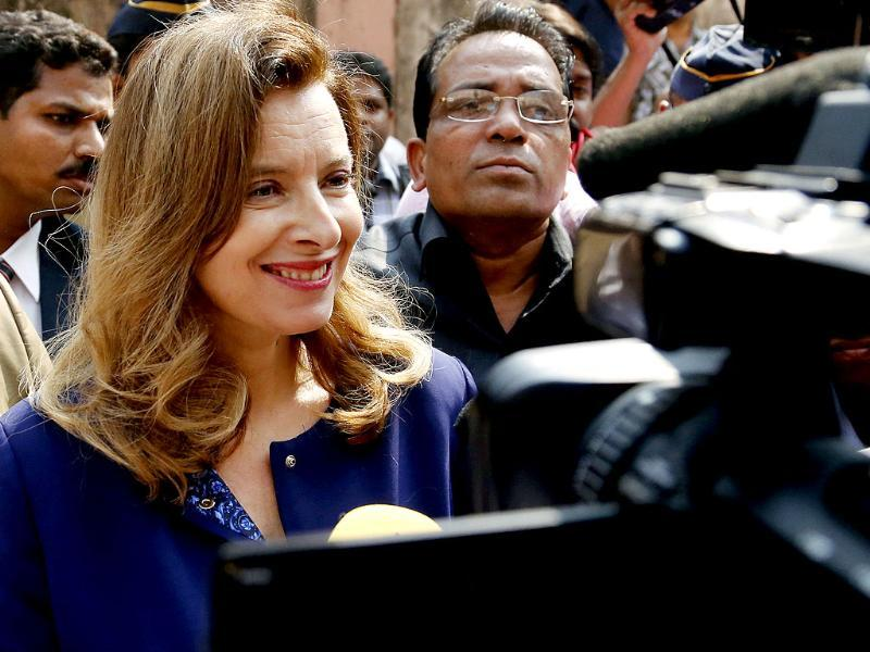 Valerie Trierweiler speaks to the media after visiting Sion government hospital in Mumbai, a day after splitting up with French President Francois Hollande. (AP)