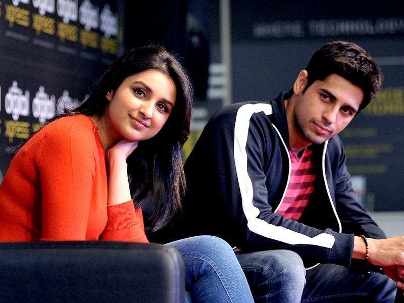 Seen the duo in the trailer of Hasee Toh Phasee? Wonder why they look so bored here? We thought the onscreen spark was just not there when the couple was spotted promoting their film.