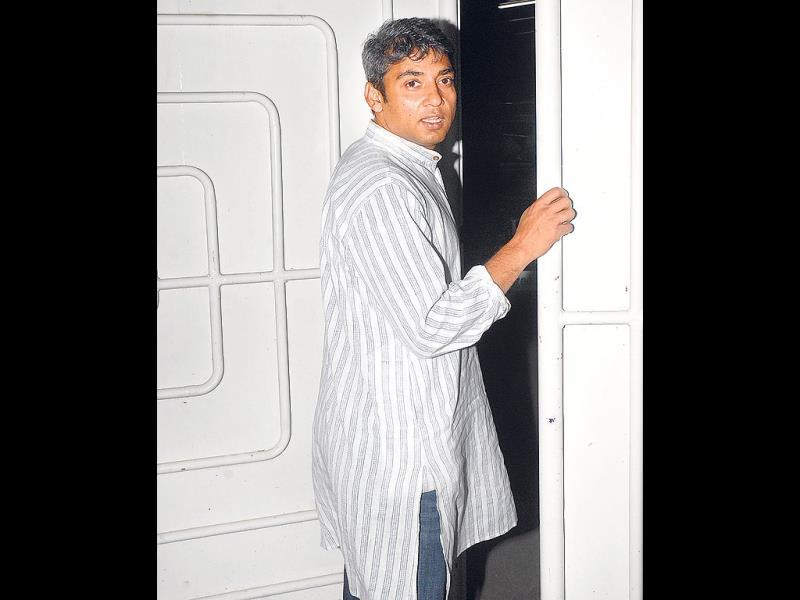 Ajay Jadeja made a rare appearance at the do. The cricketer, who rarely attends such screenings or filmi parties, tried to avoid the shutterbugs, but relented when requested for a picture.