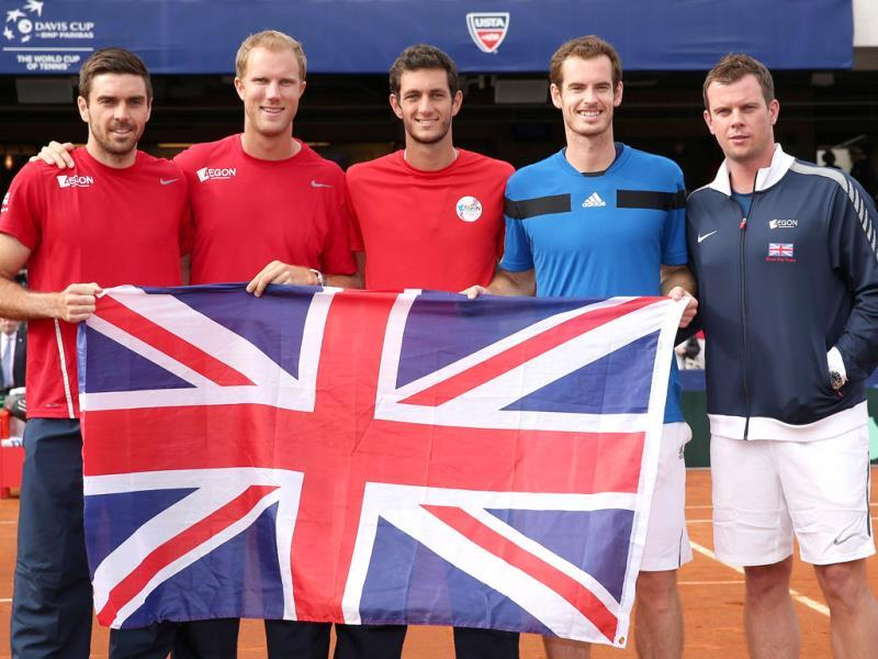 Great Britain's Davis Cup team (L-R) Colin Fleming, Dominic Inglot, James Ward, Andy Murray and capotain Leon Smith celebrate their 3-1 victory against the United States during day three of the Davis Cup World Group first round in San Diego. (AFP Photo)