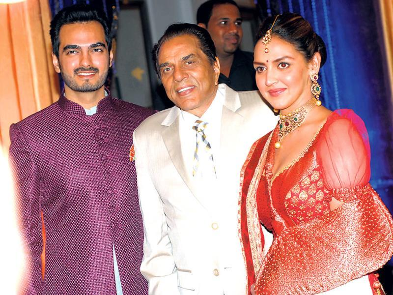 Dharmendra with daughter Esha Deol and son-in-law Bharat Takhtani.