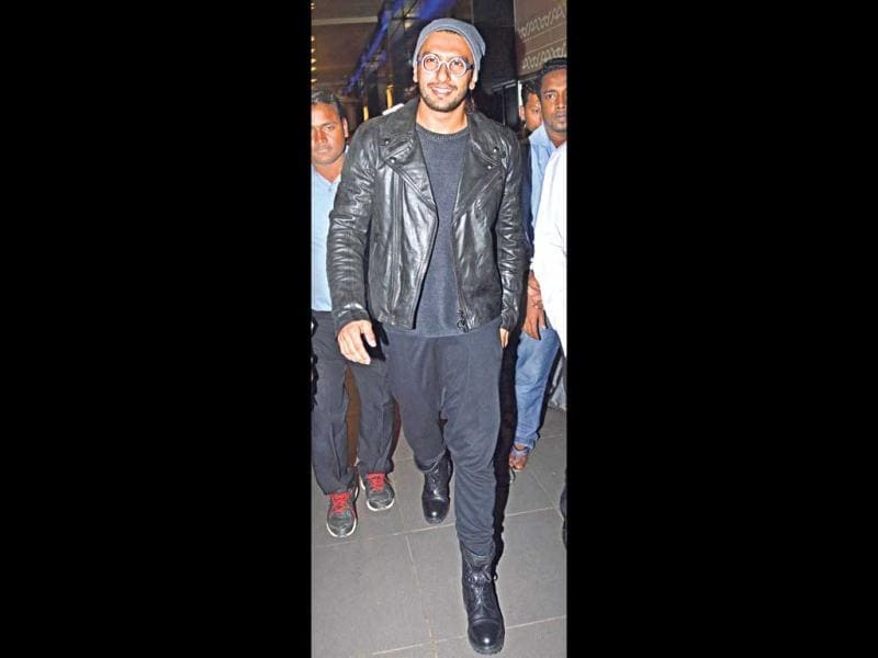 Actor Ranveer Singh shows off his nerdy side in a beany and Harry Potter style glasses. (HT Photo)