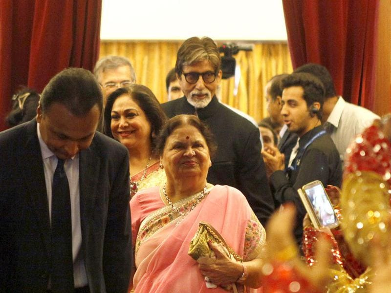 Bollywood Actor Amitabh Bachchan with Anil Ambani and his family at the celebration of the diamond jubilee year of a college in Mumbai. (Kalpak Pathak/ HT Photo)