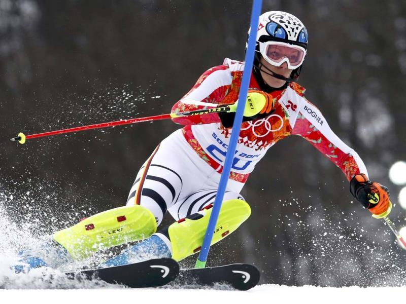 Germany's Maria Hoefl-Riesch competes in the slalom run of the women's alpine skiing super combined event at the 2014 Sochi Winter Olympics. (Reuters Photo)