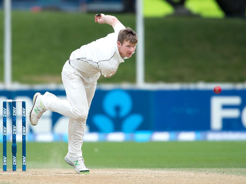 Jimmy Neesham of New Zealand bowls during day 5 of the 2nd Test match against India at the Basin Reserve in Wellington. (AFP Photo)