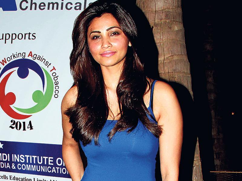 Daisy Shah was a guest at a music concert in Santacruz