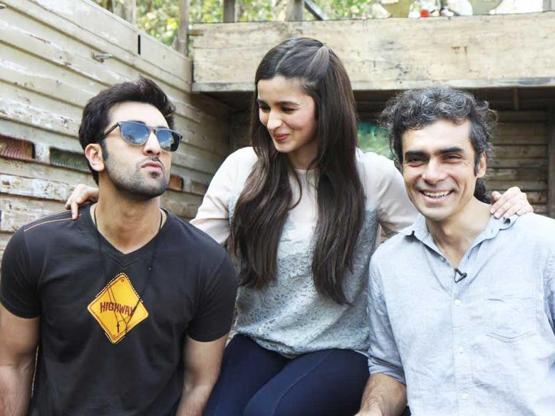 Ranbir Kapoor, Alia Bhatt and Imtiaz Ali enjoy each other's company while promoting Highway.
