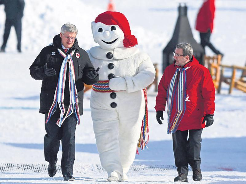 Quebec Winter Carnival, Canada (January-February) | The tradition started during the French colonisation. Winter sports, canoe and sled dog races as well as snow sculptures form an integral part of the celebrations.