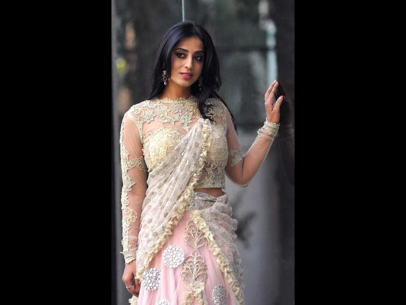 "Bollywood actor Mahie Gill showcases a creation by designer Amy Billimoria during a promotional event for her forthcoming film ""Gangs of Ghosts"" in Mumbai on February 24, 2014. (AFP Photo)"