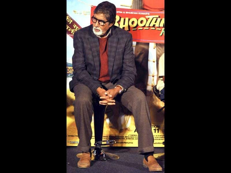 Amitabh Bachchan reprises his role of Bhoothnath from the previous installment.