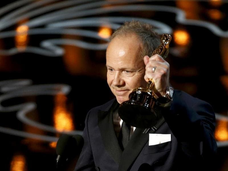 Glenn Freemantle accepts the Oscar for sound editing for Gravity.