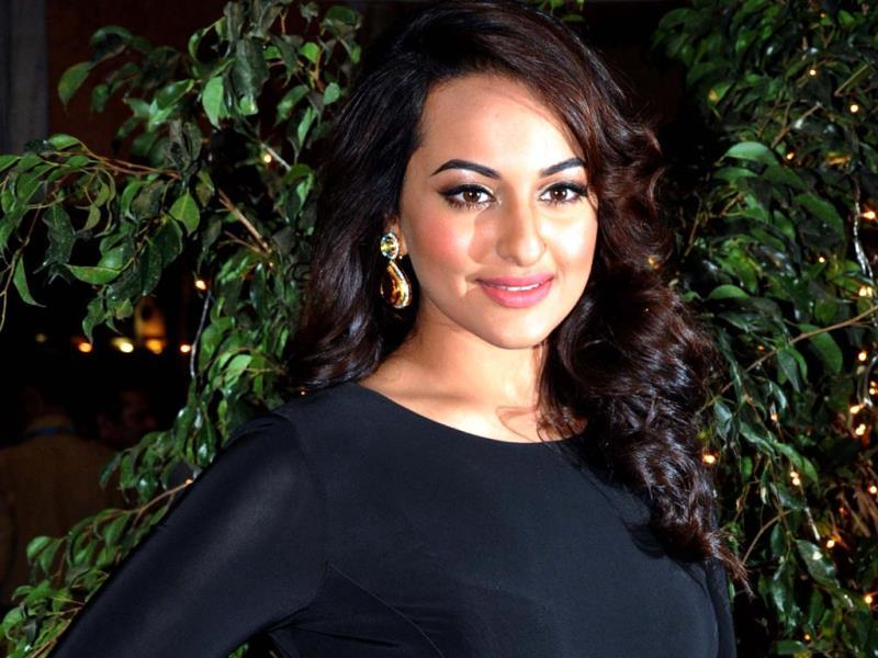 Sonakshi Sinha, a comparitively new entrant here, earns between Rs 3.5 to 4 crore per deal. (AFP)