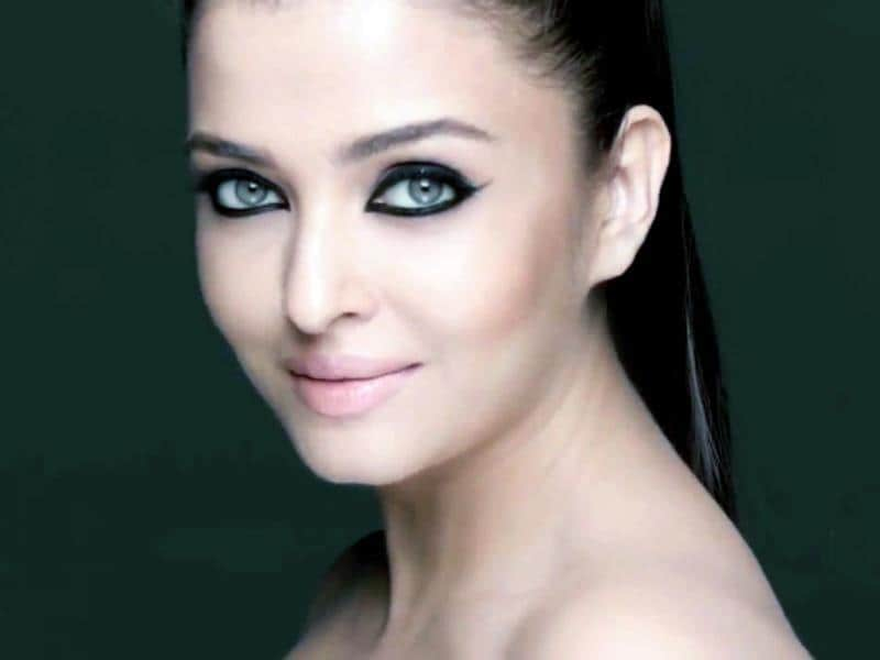Aishwarya Rai Bachchan is also amongst the top endorsers and earns Rs 5 crore or above for every deal.