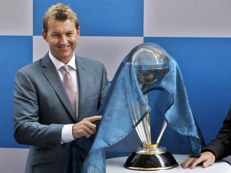Former Australian cricketer Brett Lee unveila the Cricket World Cup 2015 trophy, during the press conference to launch the travel package programme to be developed in partnership with trade partners in India at Hotel Leela, New Delhi. (Raj K Raj/HT Photo)