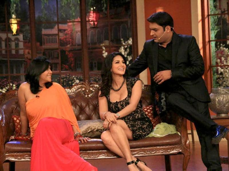 Is Kapil Sharma trying to get up, close and personal with Sunny Leone as Ekta watches on?