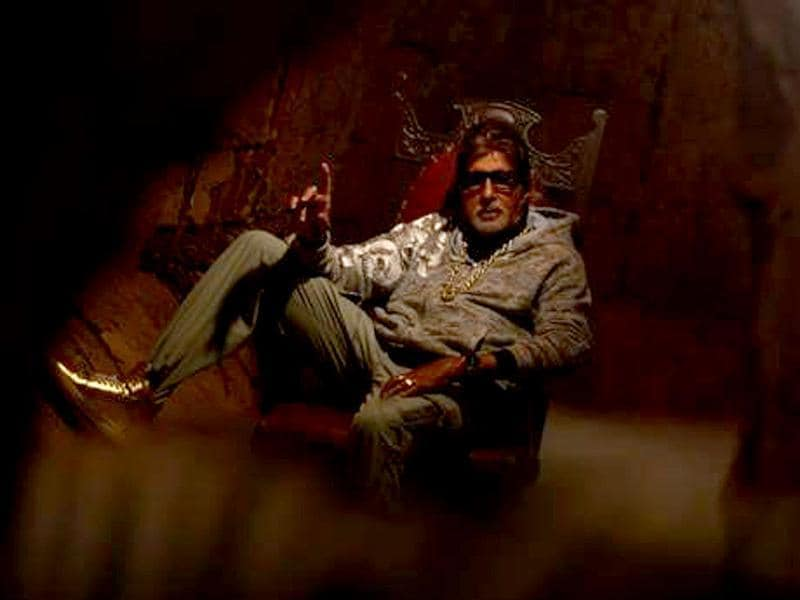 Amitabh Bachchan strikes stylish pose in the Bhootnath Returns rap number.