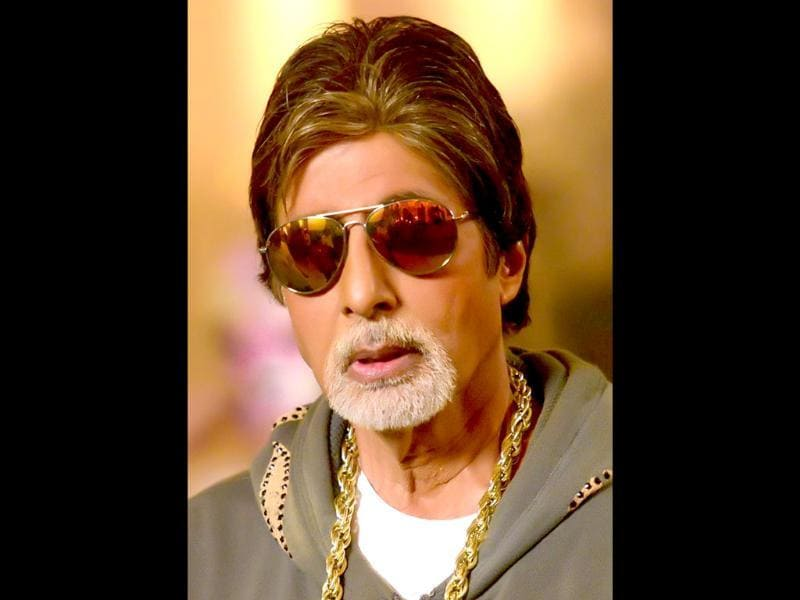 We like the look: Amitabh Bachchan, the rap artist, gets ready for his act in Bhootnath Returns.