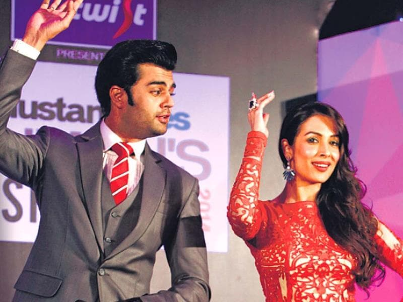 Host Manish Paul got Malaika Arora Khan, the Mumbai's Most Stylish Bollywood Mom, to dance to her famous tune 'Anarkali disco chali'.