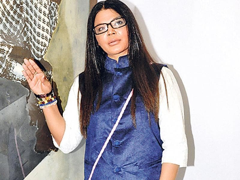 Rakhi Sawant showed up at an art exhibition. In fact, on Women's Day (March 8), Rakhi was spotted wearing the same outfit while distributing household goods to slum-dwellers.