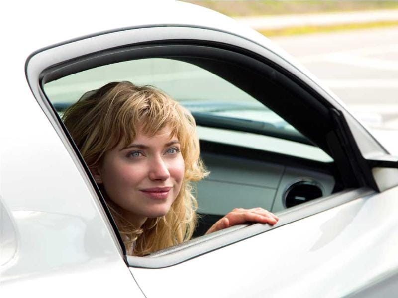 All is going to the plan and it appears Tobey will manage to save his garage after a major sale to car broker Julia Bonet (Imogen Poots).