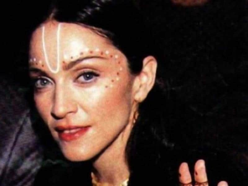 Madonna is another Indophile when it comes to her bindi statements. Check this one out.