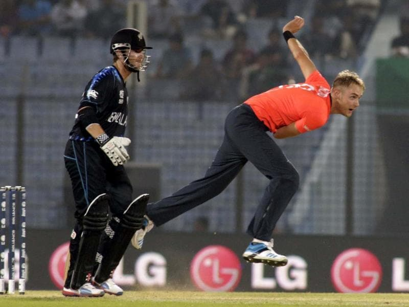 England captain Stuart Broad (R) bowls as New Zealand batsman Kane Williamson looks on during their ICC World Twenty20 match in Chittagong. (AP Photo)