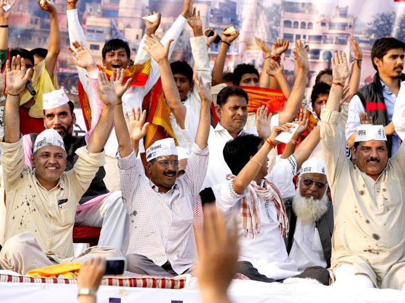AAP leader Arvind Kejriwal along with other party member during his rally in Varanasi for the upcoming Lok Sabha elections. (Raj K Raj/HT Photo)