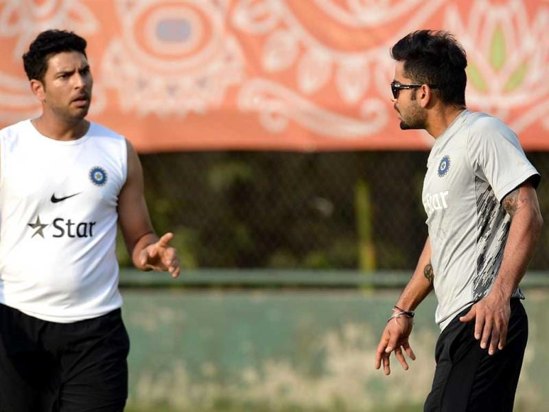 Yuvraj Singh (L) and Virat Kohli argue while playing a warm up football game at a training session during the ICC World Twenty20 at Dhaka. (AFP Photo)