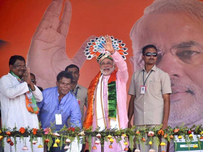 BJP's prime ministerial candidate and Gujarat CM Narendra Modi in Sundargarh district for an election campaign meet. (Arabinda Mahapatra/HT photo)