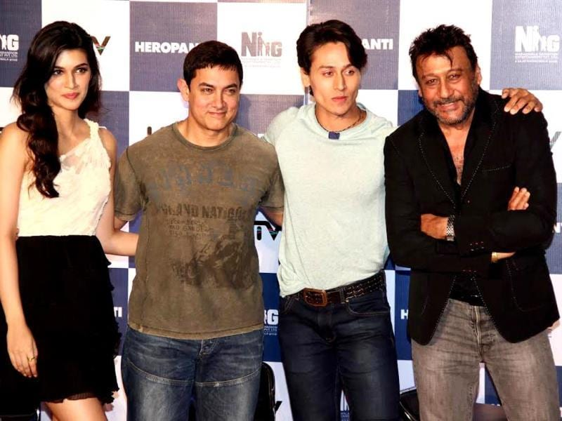Aamir Khan, who shares a great bond with Jackie Shroff, unveiled the trailer of debutant Tiger Shroff-starrer Heropanti.