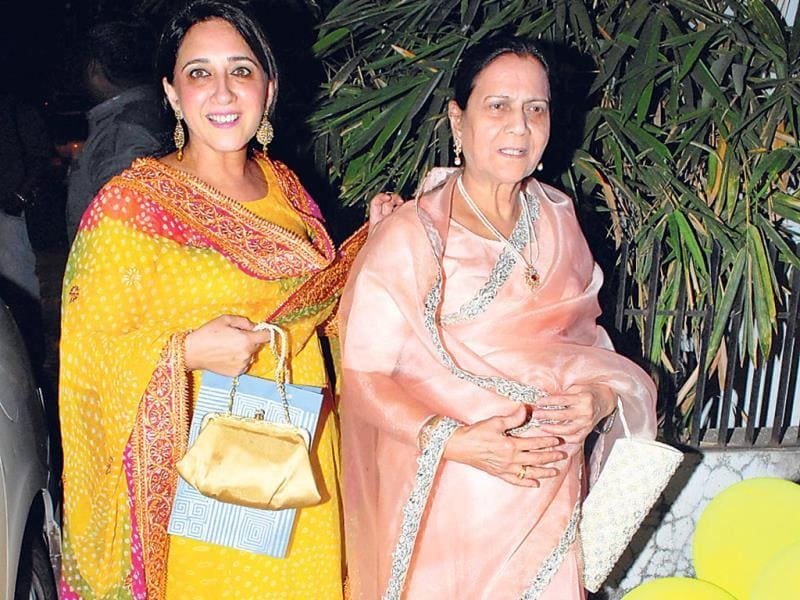 Aamir Khan's sister Nikhat with their mother, Zeenat Hussain (HT Photo/Prodip Guha)