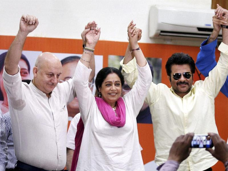 Actor Anil Kapoor visited Chandigarh on Sunday to campaign for actor Kirron Kher, who is contesting from Chandigarh as a BJP candidate. Kirron's husband Anupam Kher is also seen in the picture. (HT PHOTO)