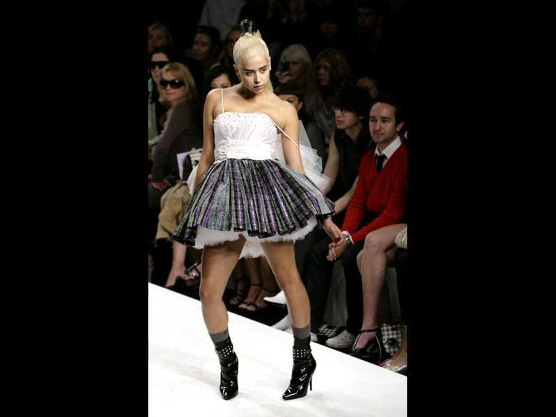 In this 2007 file photo Peaches Geldof, the daughter of singer Sir Bob Geldof, models during the PPQ show of the London Fashion Week. (AFP)