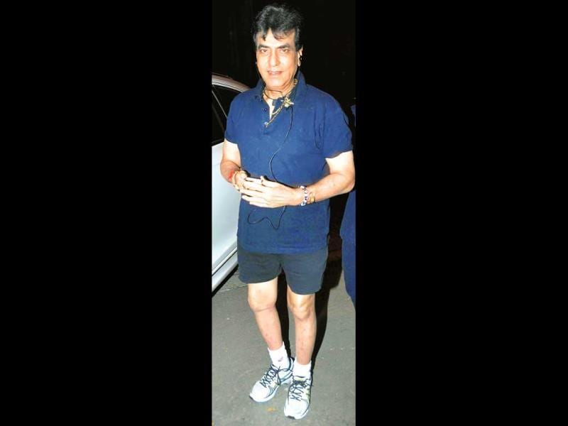 It was Jeetendra's birthday on Monday (April 7) and the Kapoor clan got together for a dinner to celebrate it. Going by the veteran actor's attire, it looked like he landed up at the do straight after a jog. (Photos: Yogen Shah)