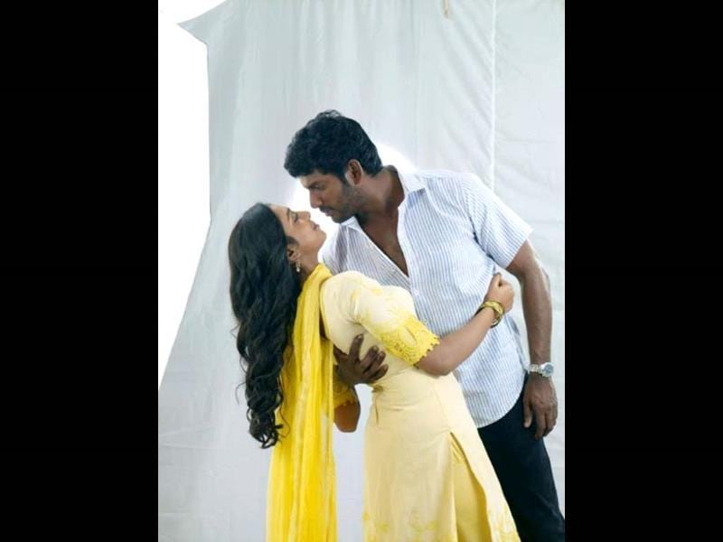 Naan Sigappu Manithan is set to release on April 11.