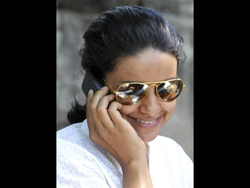 Chandigarh Lok Sabha candidate Gul Panag in a relaxed mood a day after polling in Chandigarh. (Sanjeev Sharma/HT Photo)