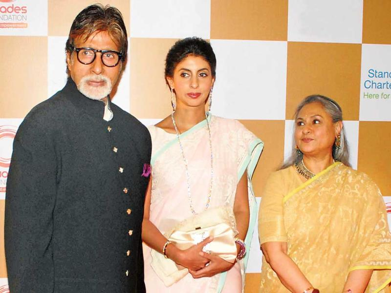 While Amitabh Bachchan and daughter Shweta are focused on the cameras, Jaya Bachchan seems to be busy looking at the the duo (Photos: Prodip Guha)