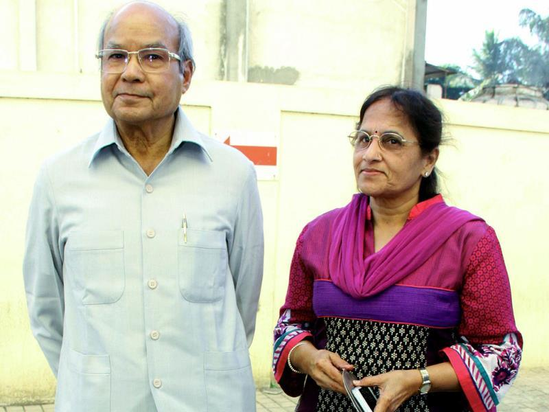 Film producer Kamal Kumar Barjatya with wife attends the special screening of Bombay to Goa. (AFP)