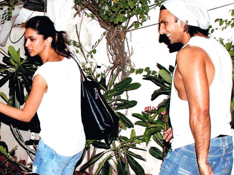 Deepika Padukone & Ranveer Singh: We wonder if the so-called 'good friends' are making a statement. You know, what with celeb couples around the world dressing alike to events. (Photos: Yogen Shah)