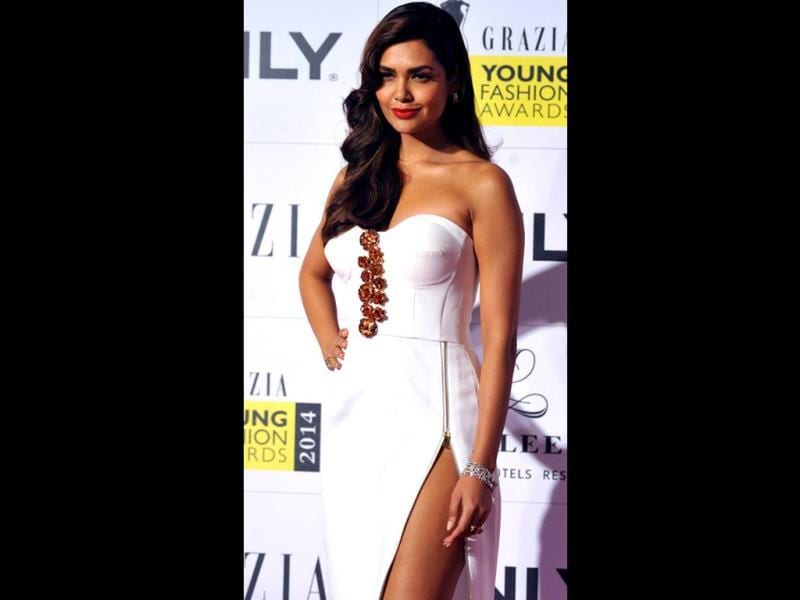 Esha Gupta at the Grazia Young Fashion Awards 2014 ceremony. (AFP)