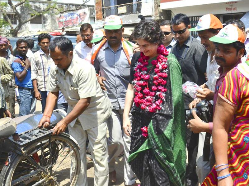 Priyanka Gandhi during election campaign, in Rae Bareli.(HT Photo)