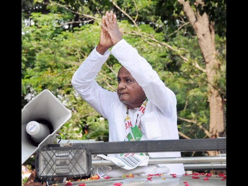 JDS president HD Deve Gowda during an election campaign in Mysore. (PTI Photo)