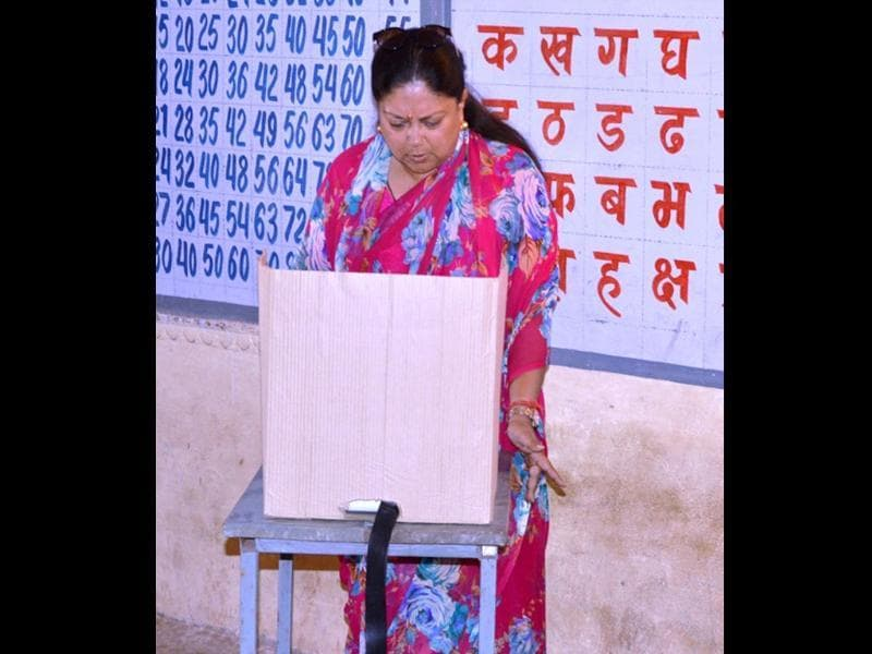 Rajasthan chief minister Vasundhara Raje casts her vote at Jhalawar. (HT photo)