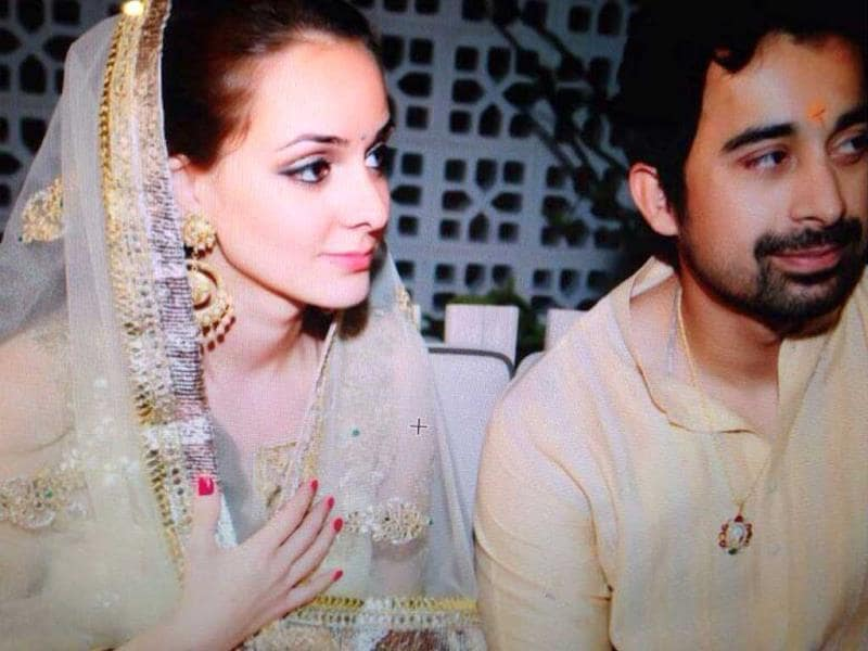 Rannvijay Singha weds Priyanka Vohra in a private ceremony.