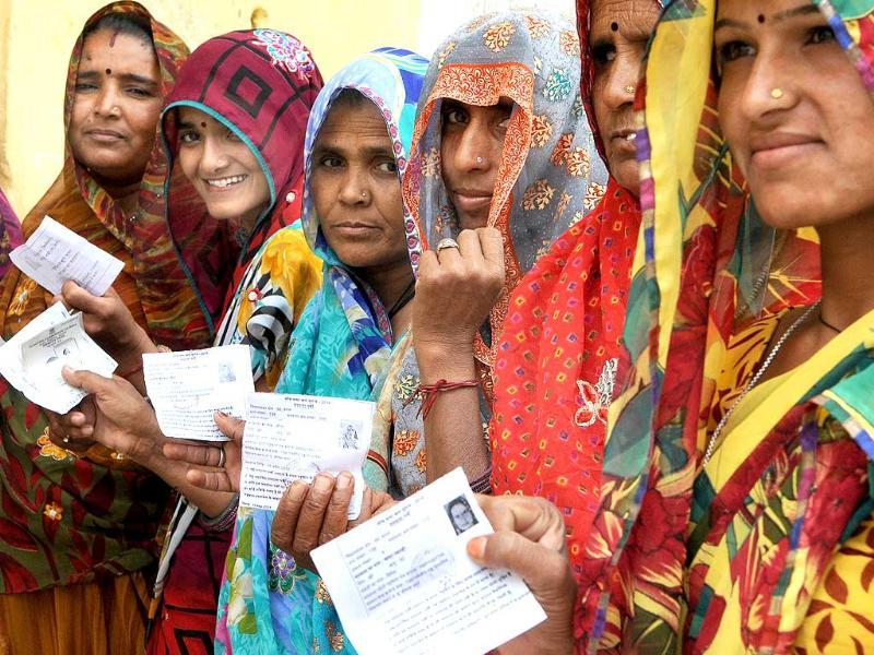 Women stand in queue to cast their vote in Jaipur, Rajasthan during the fifth phase of Lok Sabha polls. (HT photo/Himanshu Vyas)